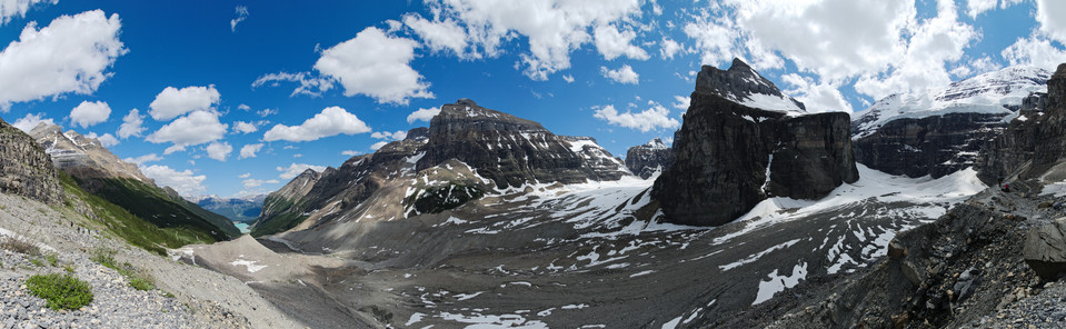 Lake Louise   Plain of Six Glaciers Panorama thumb