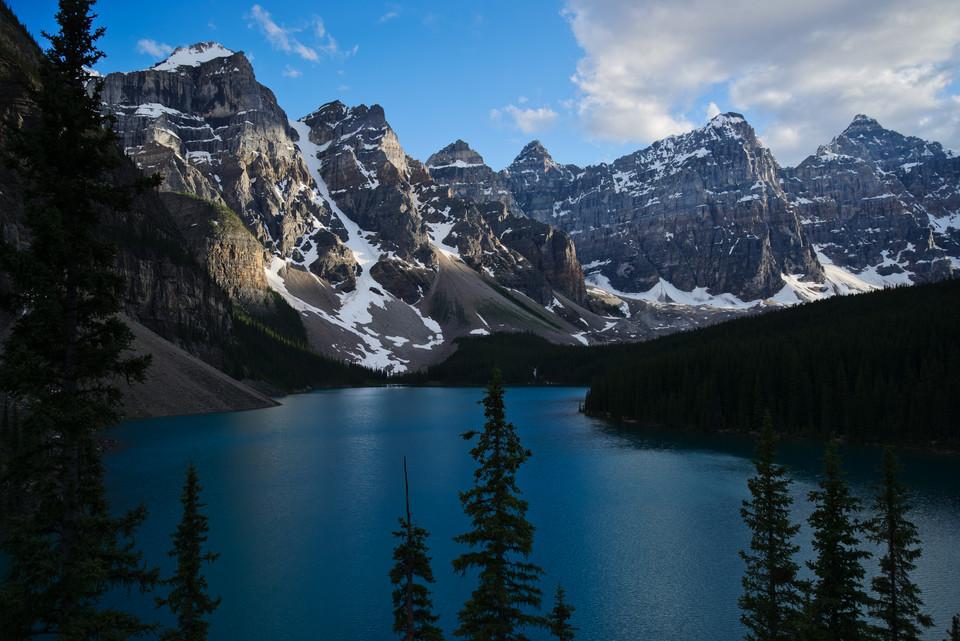 Moraine Lake   Mountains and Lake thumb